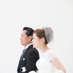 She walk down the aisle with her father. 挙式リハーサルにて . 父親とバージンロードを歩く . ほころぶ笑顔 . 本番が楽しみ . #photoby_marrymarble_m_takahashi . #wedding #weddingphotography #weddingideas #weddingphotos #weddings #weddingdress #chapel #instagood #marrymarble #bride #novarese #party #smile #結婚式 #結婚式コーデ #プレ花嫁 #日本中のプレ花嫁さんと繋がりたい #花嫁 #郡山モノリス #ウェディング #ウェディングフォト #卒花 #2016秋婚 #郡山 #バージンロード #挙式