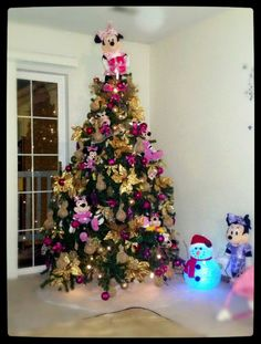 minnie mouse christmas tree - Disney Christmas Tree