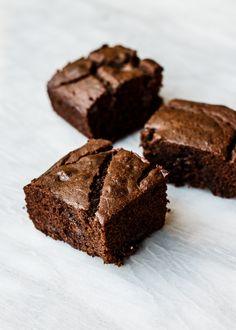 Cacao Banana & Buckwheat Snack Cake | Gluten Free | Super Nummy