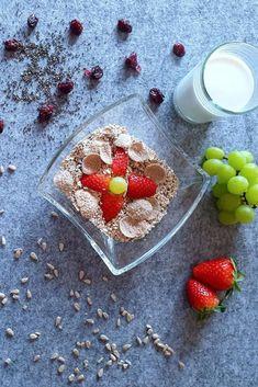 Gesundes Power Müsli selber machen. Vegan und Proteinreich Panna Cotta, Strawberry, Vegan, Fruit, Ethnic Recipes, Food, Weight Loss Inspiration, Healthy Sandwiches, Meal