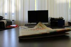 Office, Büro, Schreibtisch, Zeitung