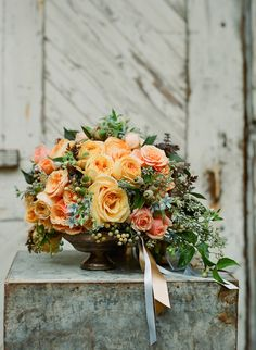 October bouquet by Max Gill, photo by Silvana di Franco - roses, acorns, tweedia