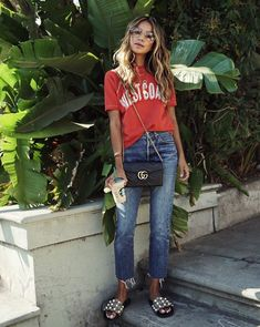 Casual Fall Fashion Style. Very Light and Fresh Look.