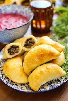 Paszteciki z pieczarkami Hot Dog Buns, Hot Dogs, Dumplings, Hamburger, Menu, Cooking Recipes, Bread, Baking, Gastronomia