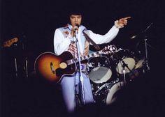 die 1326 besten bilder elvis live on stage rock roll graceland und rock n roll