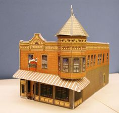 Free PDF printouts of models to build stores / houses / buildings