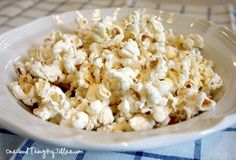 Today's post is one of those ideas that I just couldn't get out of my head! It's been driving me crazy for about a week now…ever since I spied it on Everything But The… Microwave popcorn? Without the bag? It can't be. Can it? (Please tell me I'm not the ONLY ONE who had never …
