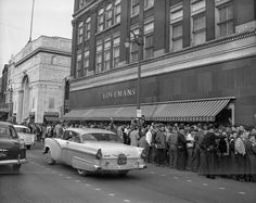 The protests by black Chattanooga high school students were the first demonstrations in the country to be attacked with fire hoses. Downtown Chattanooga, Chattanooga Tennessee, Nashville, Lookout Mountain Tennessee, Peaceful Protest, Our Town, Us History, Vintage Pictures, Back In The Day