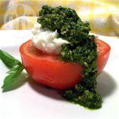 Pesto de albahaca receta - Recetas de Allrecipes