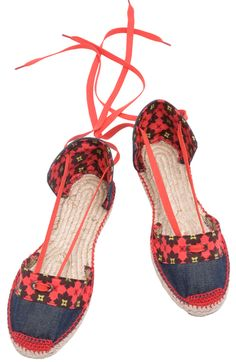 SHALIA espadrilles A bit of a wild spirit and a gipsy soul – SHALIA - today she will wander through The Camargue. Made in Spain. www.espadrillesetc.com Price : United States and non-EEC countries : $34.00 Countries within EEC (including VAT) : 28.00 €