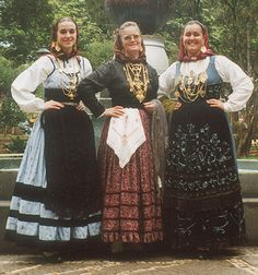 Church Ceremony, Folk Costume, We Wear, Beautiful Soul, Minho, Costume Design, Traditional Outfits, Portuguese, Bride
