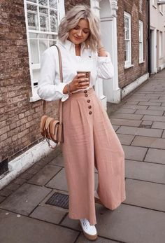 46 Stylish Outfits For Moms Women Fashion Trends Everyday Outfits fashion Moms outfits Stylish trends Women Mom Outfits, Everyday Outfits, Stylish Outfits, Classic Outfits, Summer Outfits, Modest Fashion, Fashion Outfits, Womens Fashion, Fashion Trends