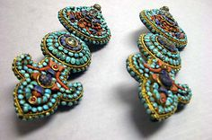 Tibet | Earring from the 17th - 19th century | Gold, coral, turquoise, lapis lazuli and other stones