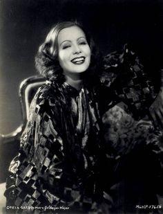 Greta Garbo, what a beautiful smile!