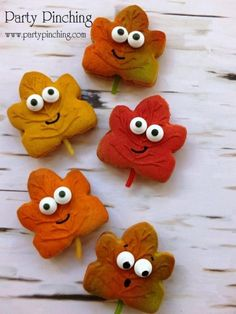leaf cookies, harvest party ideas, fall cookies, autumn cookies