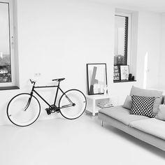 Minimalism with Ikea 'Söderhamn' sofa