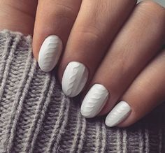 Cableknit sweater textured nails
