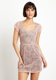 Sweet summer dress. I wish I could do a 2-for-1 because the back is even more enticing.