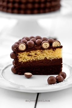 Double chocolate cake with Maltesers and light chocolate coffee cream