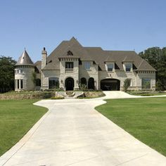 Cassandra S Stone Mansion In Minnesota Dream Home Front Exterior See