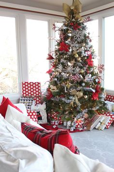 Outdoor christmas decorations bed and breakfast pinterest christmas tree ideas solutioingenieria Image collections