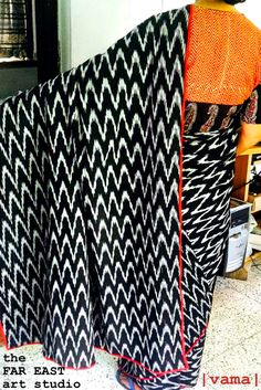 Black and white ikat saree with reverse by TheFarEastArtStudio