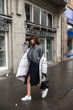 7 Ways To Look Chic In A Puffer Jacket