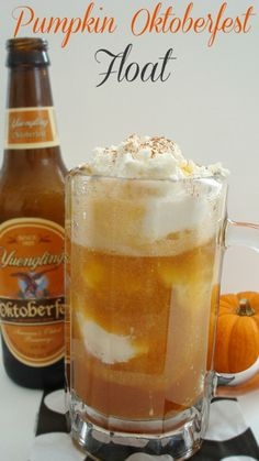 We've made stout floats, but never Oktoberfest Floats. Gotta try these. Pumpkin Oktoberfest Float {Spiked} - Gal on a Mission