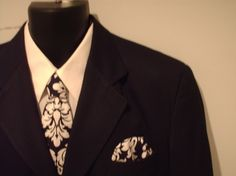 damask tie and hankie