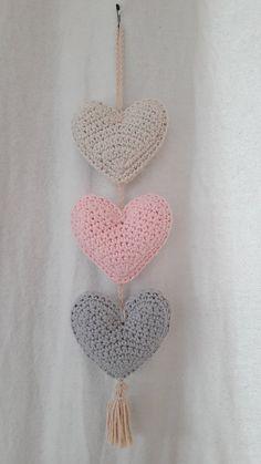 Crochet Quilt, Crochet Home, Diy Crochet, Crochet Dolls, Love Crochet, Crochet Coaster Pattern, Crochet Flower Patterns, Crochet Flowers, Yarn Chandelier