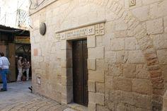 Walking the Via Dolorosa in Jerusalem's Old City #holyland