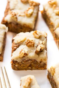 Cake for breakfast? You betcha! This vegan carrot cake is so healthy it's totally breakfast worthy!