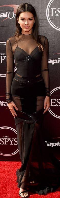 Kendall Jenner: Dress – Alexandre Vauthier  Shoes – Stuart Weitzman