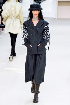 En Vogue!: Chanel RTW Fall 2016