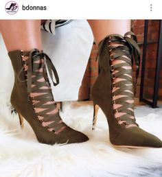 75dbcda46a3 Lace up pumps - Anastassia Krez Chaussures Fille