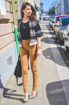 Outfit / Look / Style / casual / chic / stefanel / ethno / silk / seide / cardigan / jacke / vest / Weste / Wildleder / Hose / suede / pants / leather / Lederhose / balenciaga / bag / Tasche /spring / Frühling / Trend / inspo / Fashion / Blog / Blogger / Deutschland / Germany / Designer / Stephanie van Klev