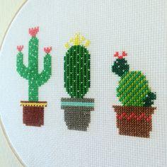 Cactus Cross Stitch sur mesure par TheStitchest sur Etsy