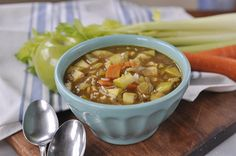 Mulligatawny soup is full of lots of fun flavor and textures - apples, rice, curry, chicken and more! Mulligatawny, Cup Of Soup, Curry Soup, Saute Onions, Curry Powder, Garam Masala, Soups And Stews, Chili, Food And Drink