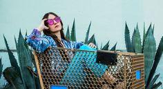 Natalie Mering updates classic singer-songwriter music for the smartphone generation. 70s Singers, Ocean Video, My True Love, Girls World, New Media, Titanic, Apocalypse, Blood, People