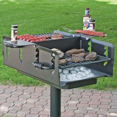 This Pilot Rock Shelterhouse Grill is big enough to cook for a crowd. Fire Pit Grill, Bbq Grill, Grilling, Fire Cooking, Outdoor Cooking, Fire Pit Construction, Built In Braai, Materiel Camping, Four A Pizza
