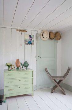 Scandinavian Fancy Windows: Scandinavian Easy Chic wood villa in Gotland Living Spaces, Living Room, Bedroom Inspo, Diy Bedroom, Painted Paper, Beautiful Interiors, Scandinavian Style, Room Inspiration, Ladder Decor