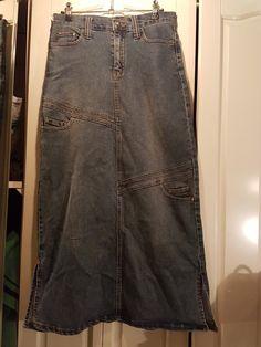 Jupe longue en jean   ceinture assortie