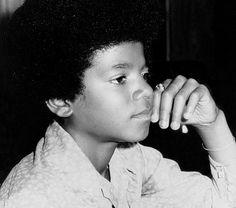 Michael Jackson - Cuteness in black and white ღ @carlamartinsmj
