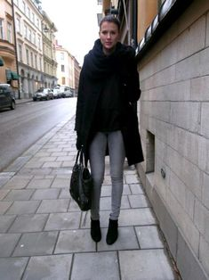 look-con-jean-gris-y-prendas-negras1