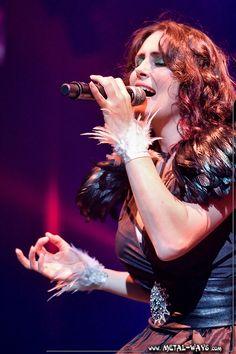 Sharon Den Adel (Within Temptation) at Night of the Proms (Antwerpen - 30.10.2009)