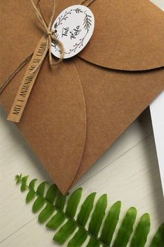 convite-casamento-rustico-guirlanda-kraft-1.jpg (400×600)