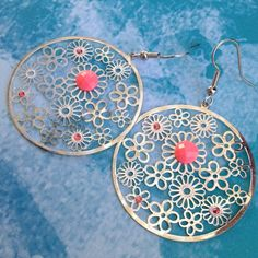 Dangle earrings Round dangle silver & pink light weight earrings. daffodil90 Jewelry Earrings