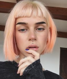 46 Easy Bob Hairstyles Inspirations 46 Easy Bob Hairstyles Inspirations 2019 - Fashion 46 Easy Bob Frisuren Inspirationen 2019 - M Pensez à los angeles fameuse « tiny gown noire Peach Hair, Pink Hair, White Hair, Pastel Hair, Pastel Bob, Bright Hair, Scene Hair, Scene Bangs, Hairstyles With Bangs