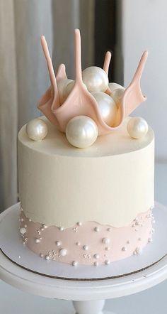 Cake Decorating Frosting, Cake Decorating Designs, Cake Decorating Videos, Birthday Cake Decorating, Cake Decorating Techniques, Icing Cake Design, Elegant Birthday Cakes, Beautiful Birthday Cakes, Elegant Cakes
