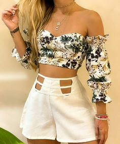 Modelos Fashion, Casual Looks, Off Shoulder Blouse, Beauty Hacks, Couture, Crop Tops, My Style, Outfits, Clothes